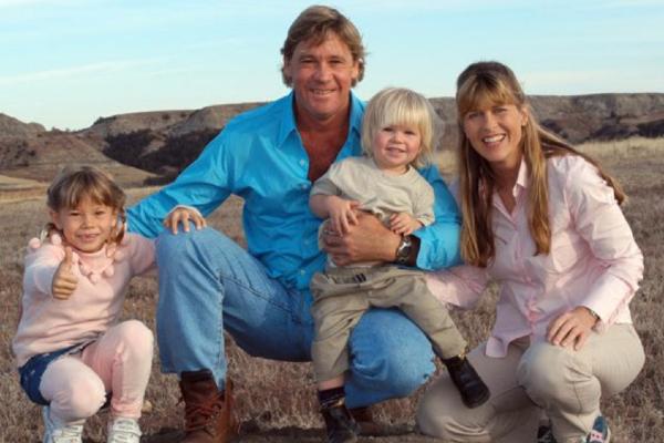 Steve Irwin S Family Honour Him As He Receives Walk Of Fame Star