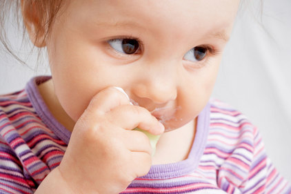 The great spoon vs baby-led weaning debate