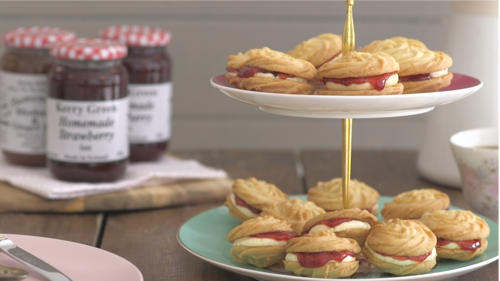 Lemon and strawberry Viennese whirls