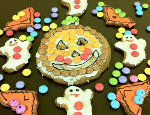 Smarties Halloween gingerbread cookies