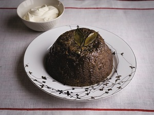 Light steamed pudding with whiskey cream