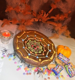 Smarties spiderweb brownie pie
