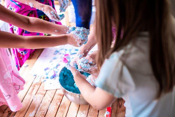 There are FREE Slime workshops happening in Dublin this weekend