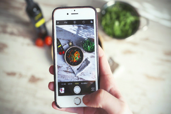 Instagram clamps down on hashtags which promote or glorify eating disorders