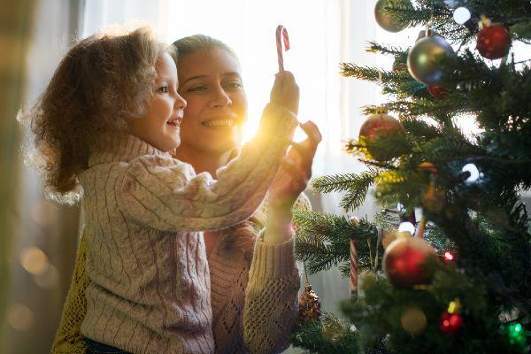 7 things that happen to every family on Christmas Day