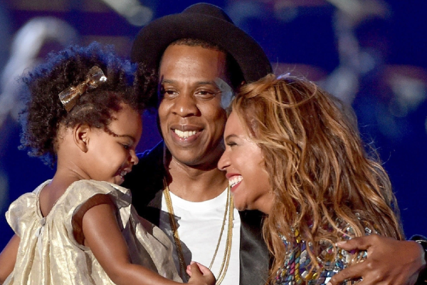 Beyoncé shares ADORABLE rare photo of twins Rumi and Sir Carter