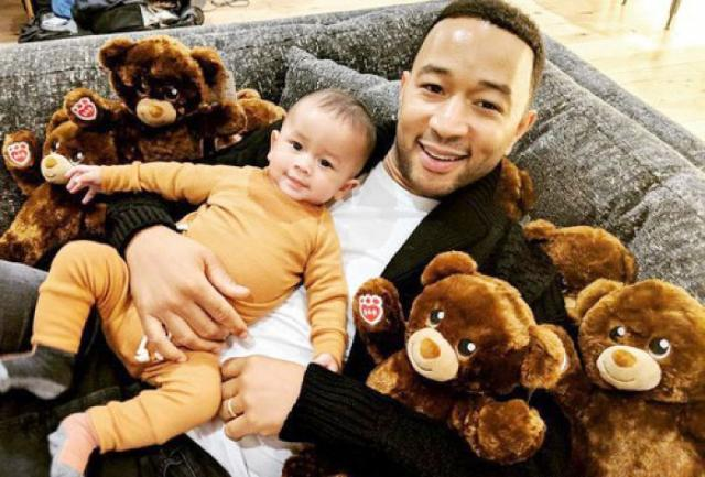 John Legends most-liked Instagrams are all about family time and lactation