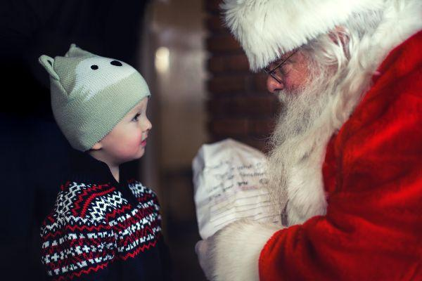 Experts warn parents to be mindful as Christmas can cause kids stress and anxiety
