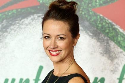Amy Acker will join Greys Anatomy as Derek Shepherds sister