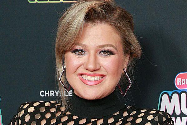 Kelly Clarkson ruined Frozen for her daughter - and her reaction is hilarious