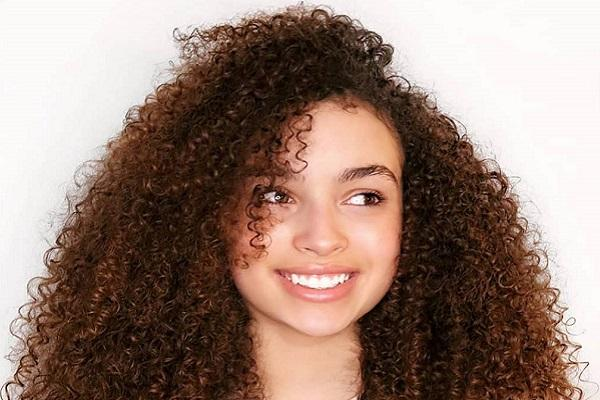 Tributes paid to CBBC star Mya-Lecia Naylor who has died aged 16