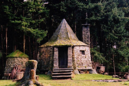 Hogwarts House: You can now stay in a MAGICAL replica of Hagrids hut