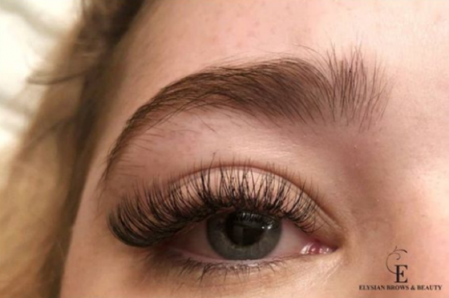 4 handiest ways to make your eyelash extensions last for up to three weeks