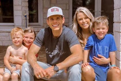 Country singer Granger Smiths three-year-old son dies in tragic accident