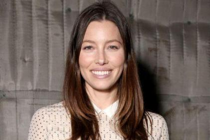 Jessica Biel clarifies her view on vaccinations after opposing California bill