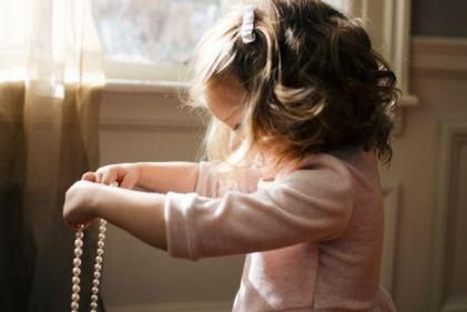 6 important lessons to teach your darling girl