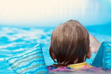 Swimming lessons are the greatest gift you can give your children- heres why