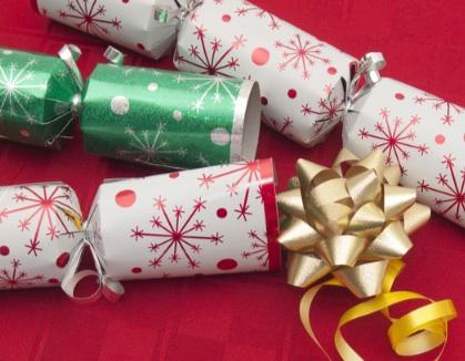 Easy Christmas crackers