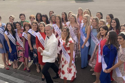 Rose of Tralee host Dáithí Ó Sé introduces the 32 hopeful roses