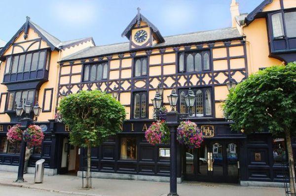 The Hibernian Hotel is the dream spot for dinner in Cork