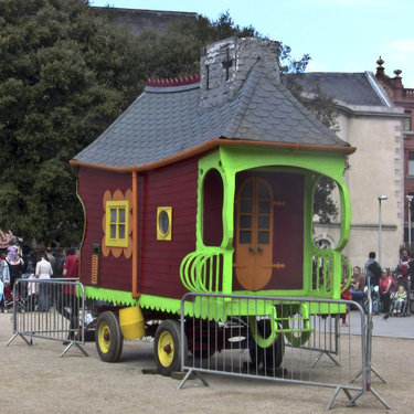 Wanderly Wagon is returning home for the Monkstown International Puppet Festival