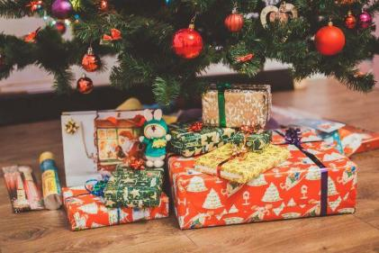 Mum issues warning after daughters Santa present arrives without packaging