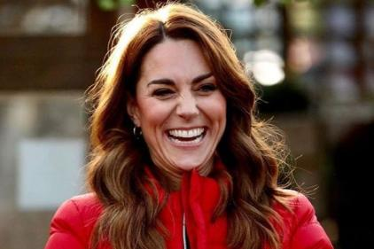 The Duchess of Cambridge makes surprise appearance at Christmas tree event