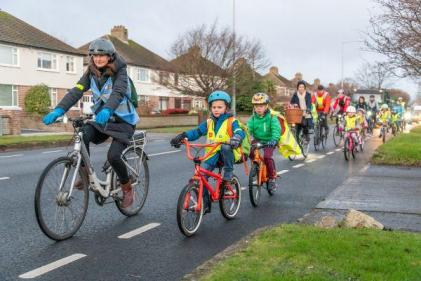 A healthier commute to school: Parents set up the D12 Bike Bus