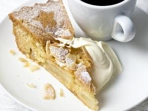 The very best apple dessert cake