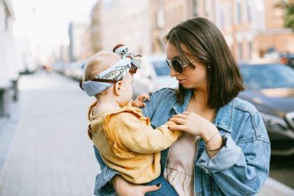 Aunts are just as important as mums when raising girls, expert says