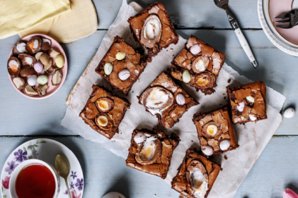 Drooling! You just need to whip up a batch of Lidls Créme Egg Brownies