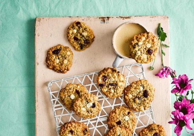Recipe: You need to bake these Cranberry & White Chocolate Cookies