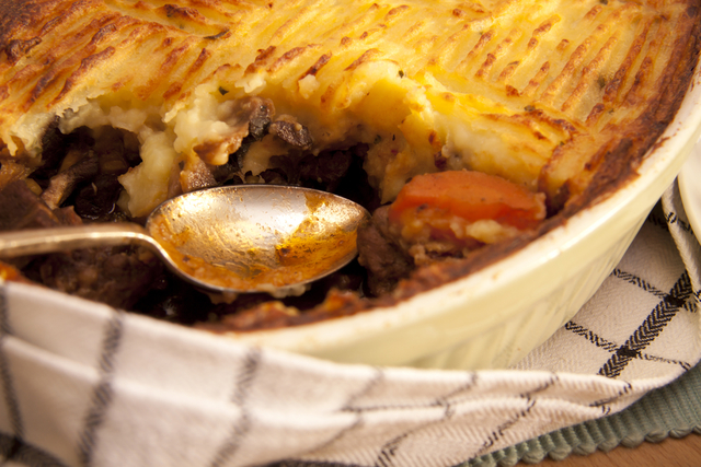 Cottage pie with cheddar and mustard mash