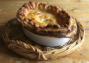 Ham, leek and potato pie