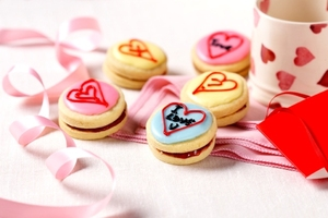 Love heart jammy dodgers