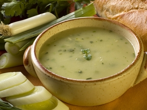 Quick leek and potato soup