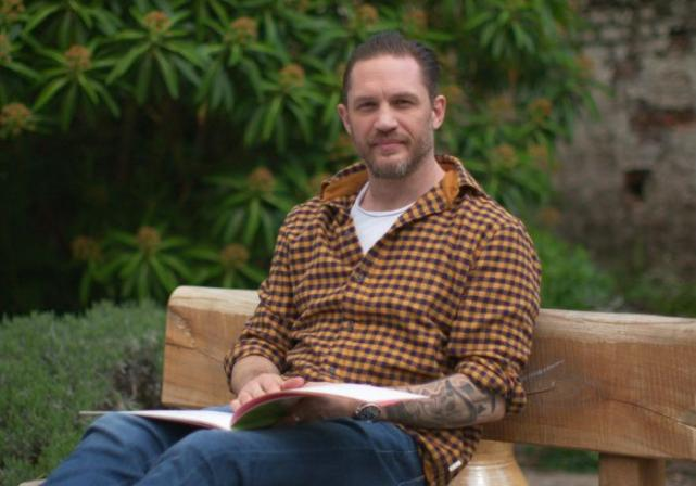 Tom Hardy returns to Cbeebies Bedtime Stories for Tom Week