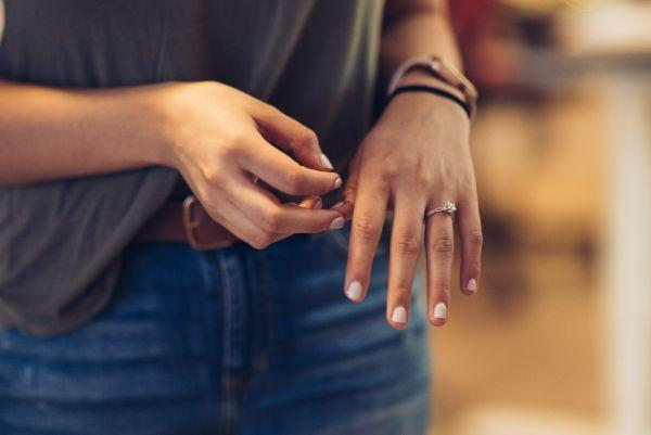 Jeweller launches Ireland's first home try-on engagement ring service