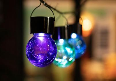 Dealz is selling gorgeous coloured lights for your garden