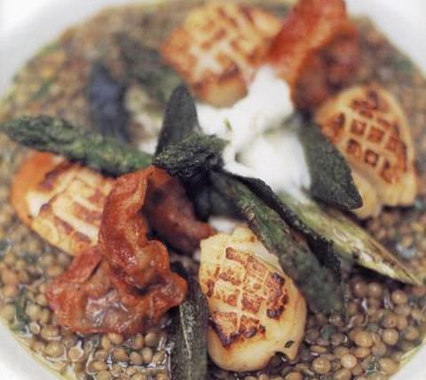 Pan-fried scallops with lentils, crispy pancetta and lemon creme fraiche