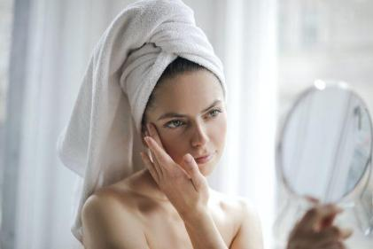 Do you have blemish prone skin? Follow these 5 tips to help keep spots away