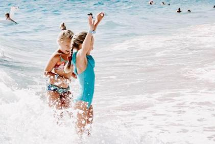 Look at me! Gripping ad highlights danger of not paying attention to kids in water