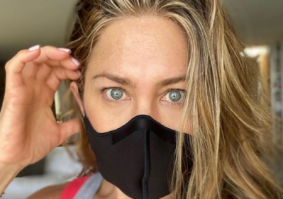 So many lives have been taken: Jennifer Aniston urges people to wear masks
