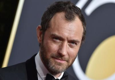 Jude Law set to play Captain Hook in Disneys Peter Pan remake