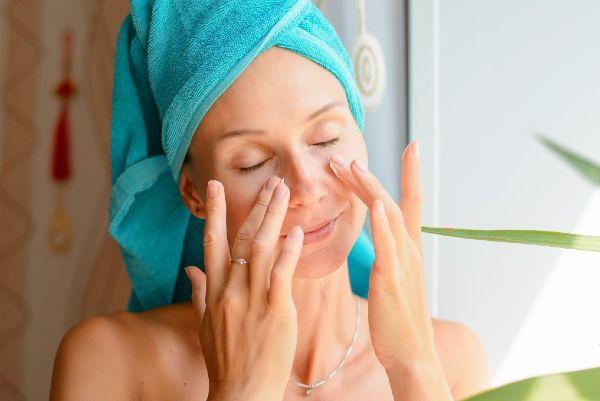 This reusable cleansing tool is essential for eco-conscious beauty lovers