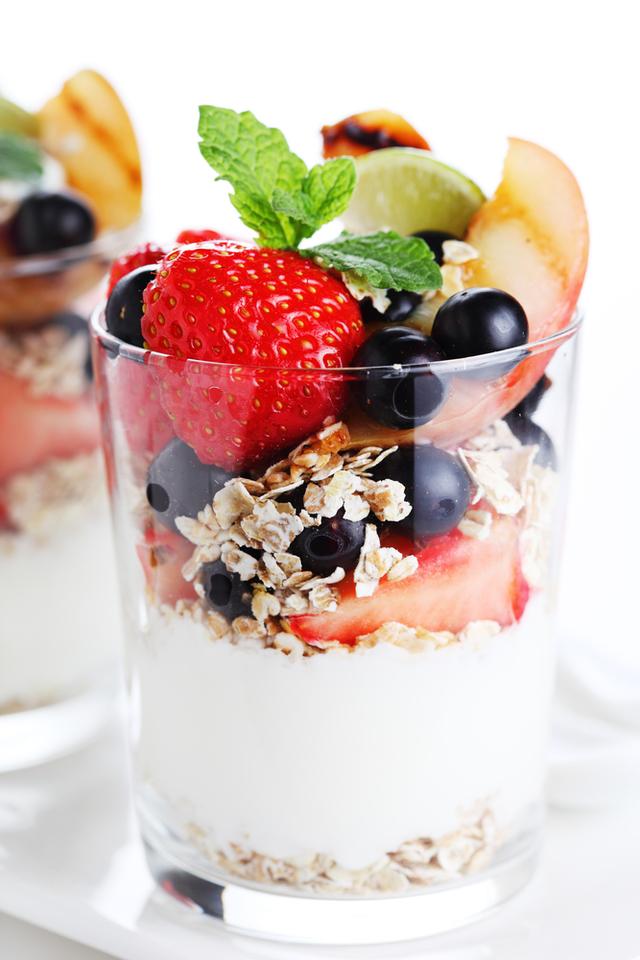 Breakfast sundae