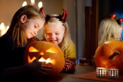 4 indoor activities to do with the kids this Halloween season