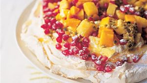 Exotic fruit chewy meringue