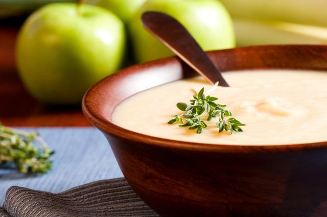Apple, parsnip and lentil soup
