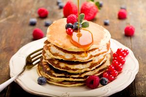 Fruity muesli pancakes